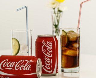 Que devient une dent plongée dans du Coca-Cola pendant 24 heures ?